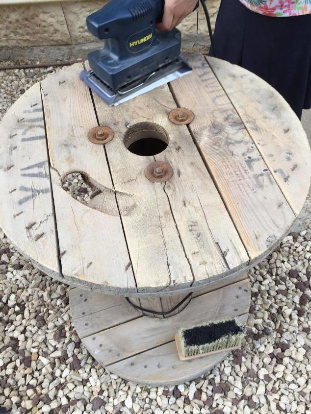 Turn A Dusty Cable Spool Into Trendy Coffee Table