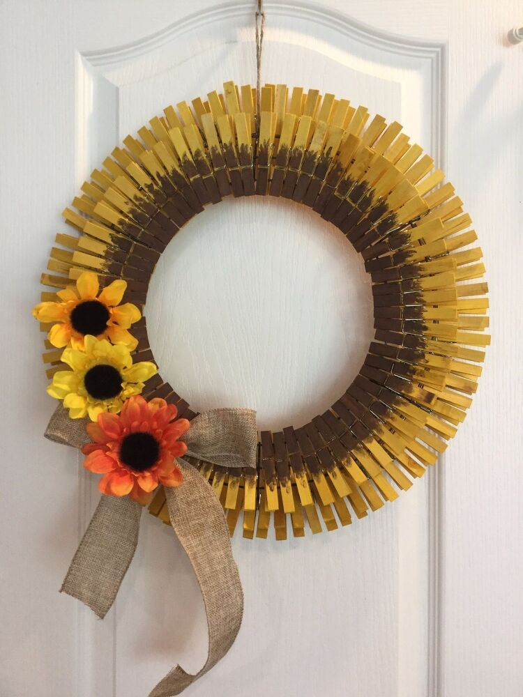 Turn Dollar Store Laundry Basket Into Wreath Form In 8