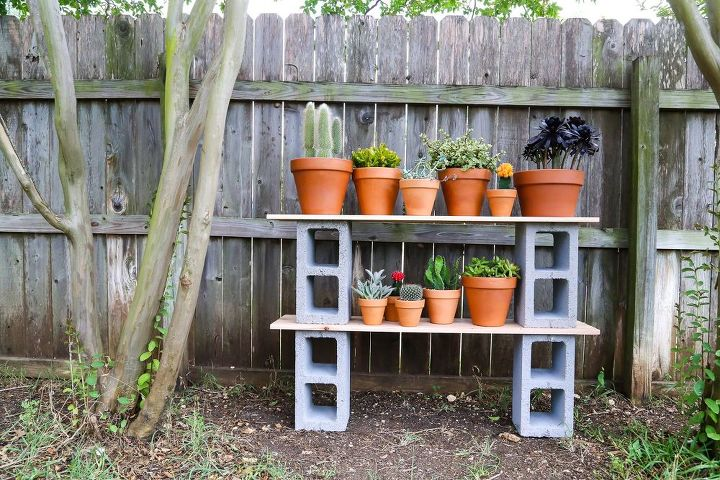 diy cinderblock plant shelves