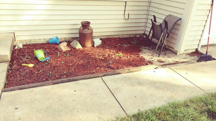 q what do with old mulch