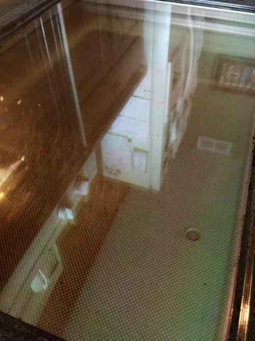 cleaning your oven door