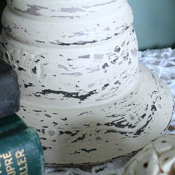 diy farmhouse style distressed pillar candle holders