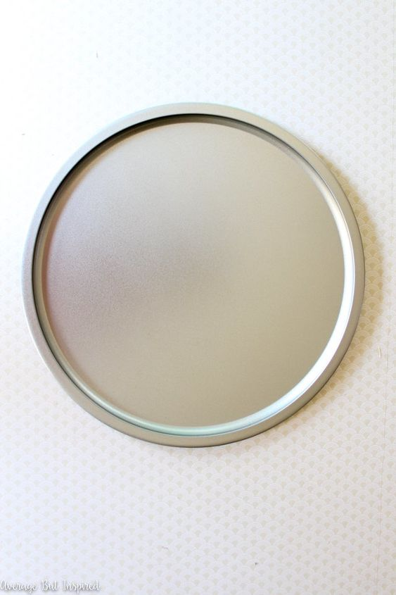 transform a pizza pan into a stylish magnet board