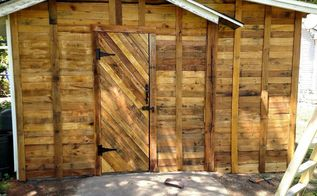 decided to cover our shed with pallet wood