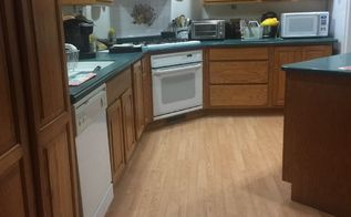 q what kind color floor for a kitchen with oak cabinets green counter