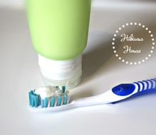 homemade coconut oil baking soda toothpaste