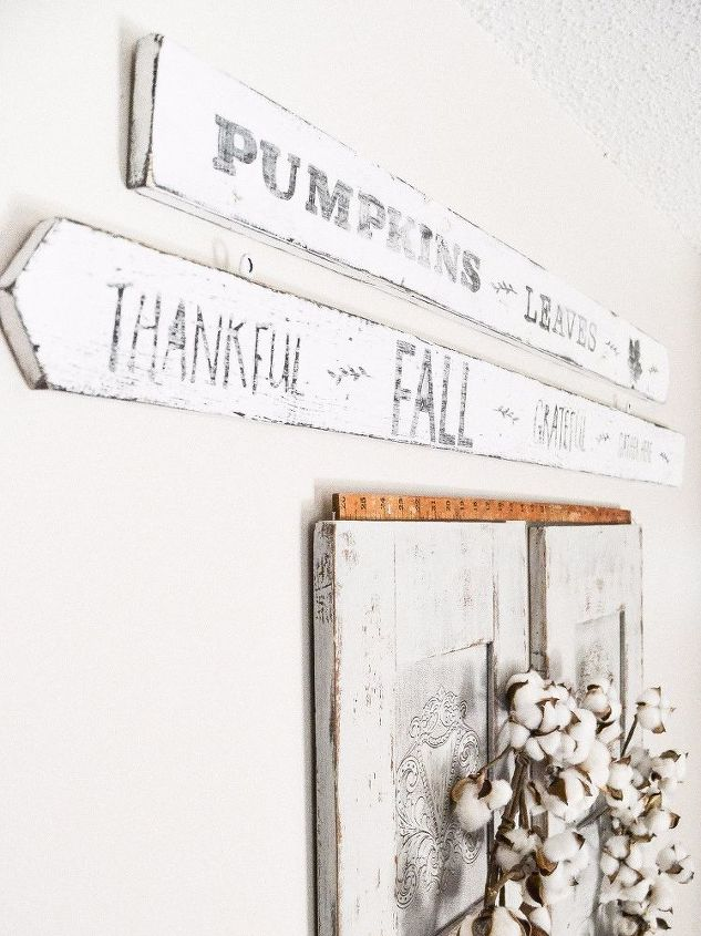 diy a fall sign from a dumpster find