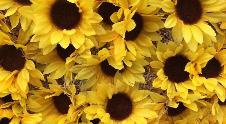 sunny flower pineapple wreath