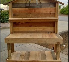 ... Station To Keep Their Gloves, Trowels, Extra Pots Etc. Use One Or Two  Pallets By Cutting It In 1/3u0027s And Nail Some 4x4 To The Bottom To Make It  Taller!