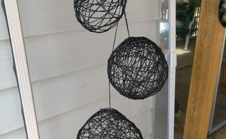 decorative spheres with hemp string and balloons