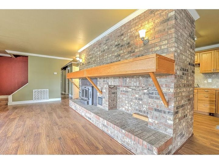 q fire place so big and blocks kitchen