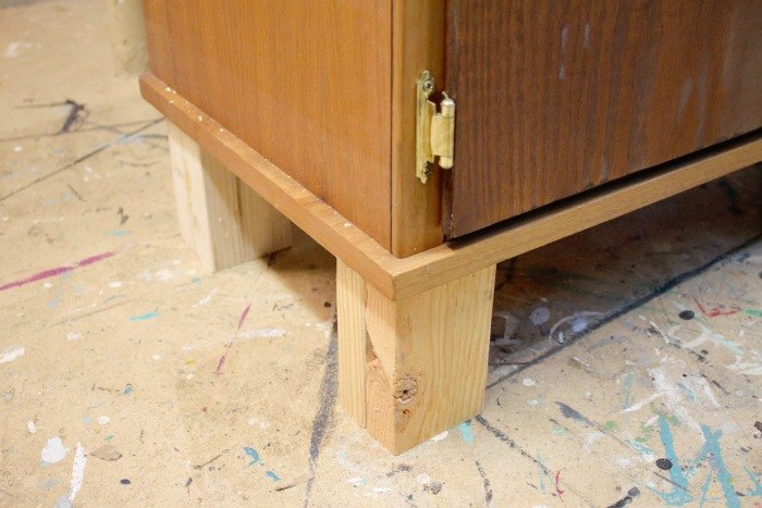 how to turn a mid century cabinet into a farmhouse style