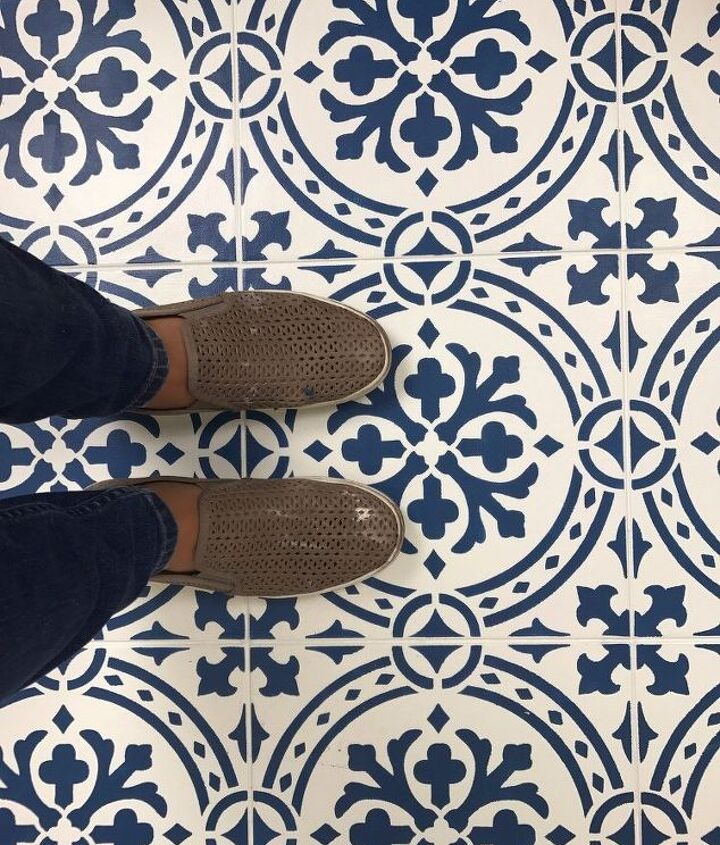 how to paint a floor with a tile stencil