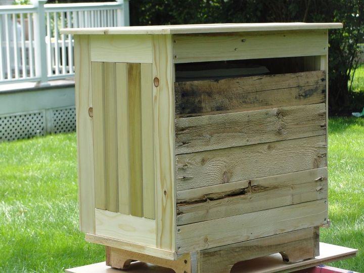 make a tilt out trash bin out of pallets