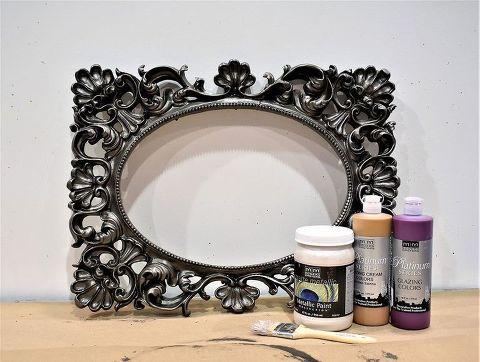DIY Event Decor: Hanging Metallic Picture Frames | Hometalk