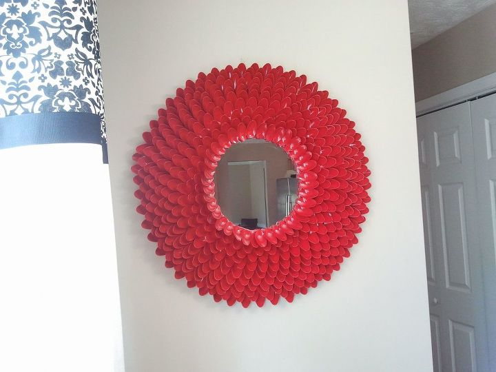 s mirror mirror on the wall who is the fairest one of all, Make Your Own DIY Plastic Spoon Mirror