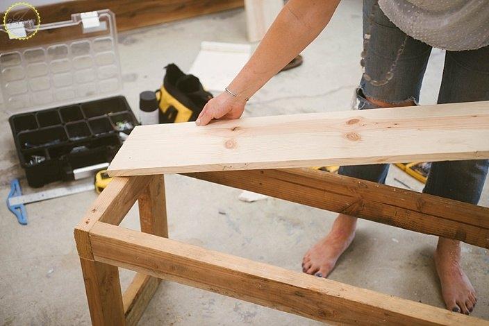 diy farmhouse bench for small spaces