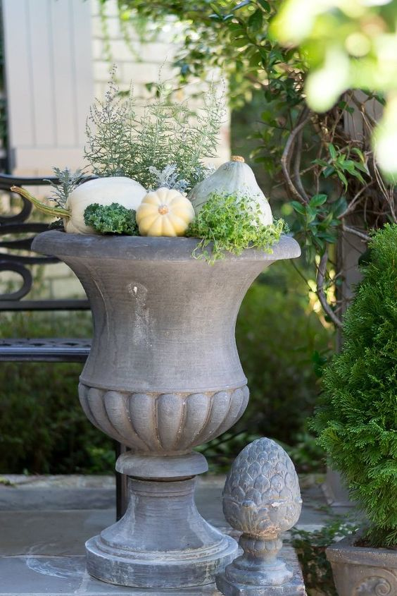 vegetable and herb fall container garden idea
