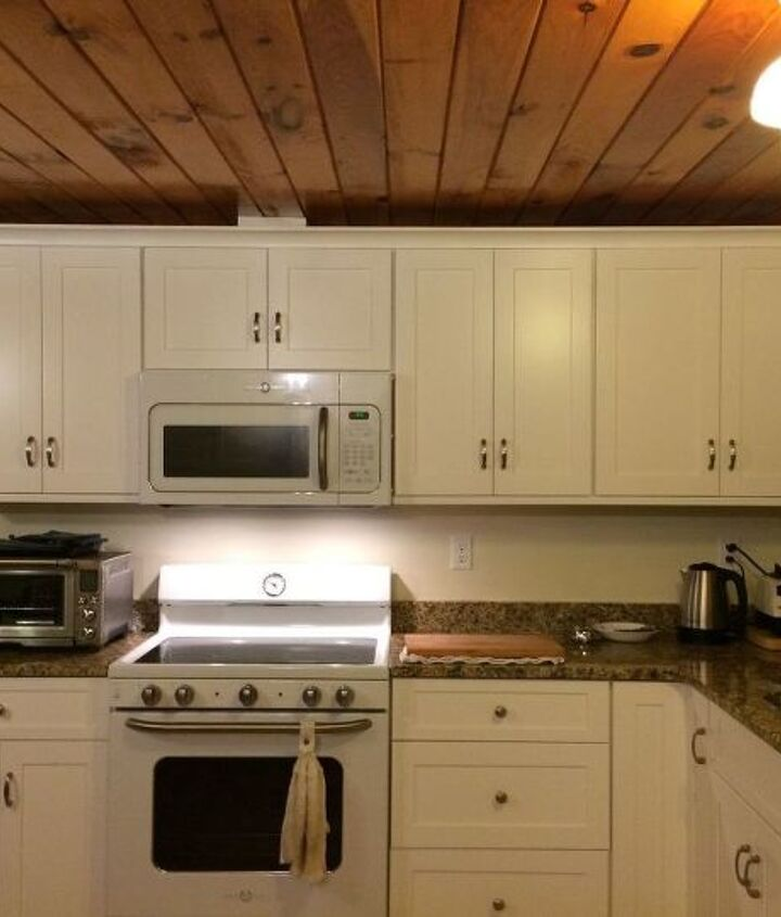 q how to do a nice looking easy kitchen backsplash