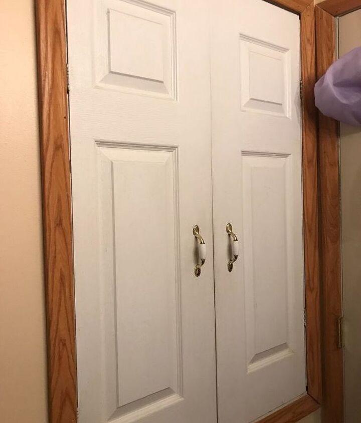 q ideas for set for bathroom closet