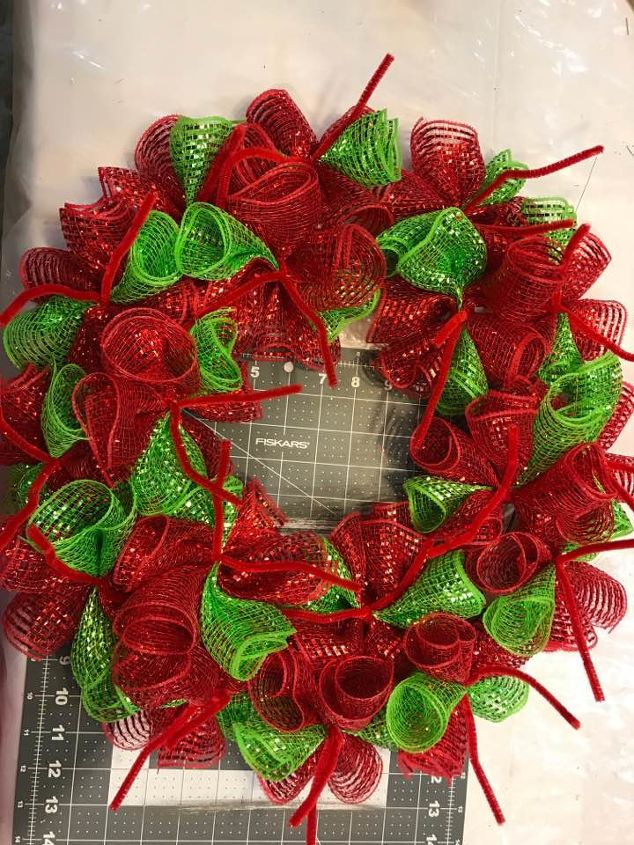 How To Make Christmas Diy Deco Mesh Wreath Hometalk