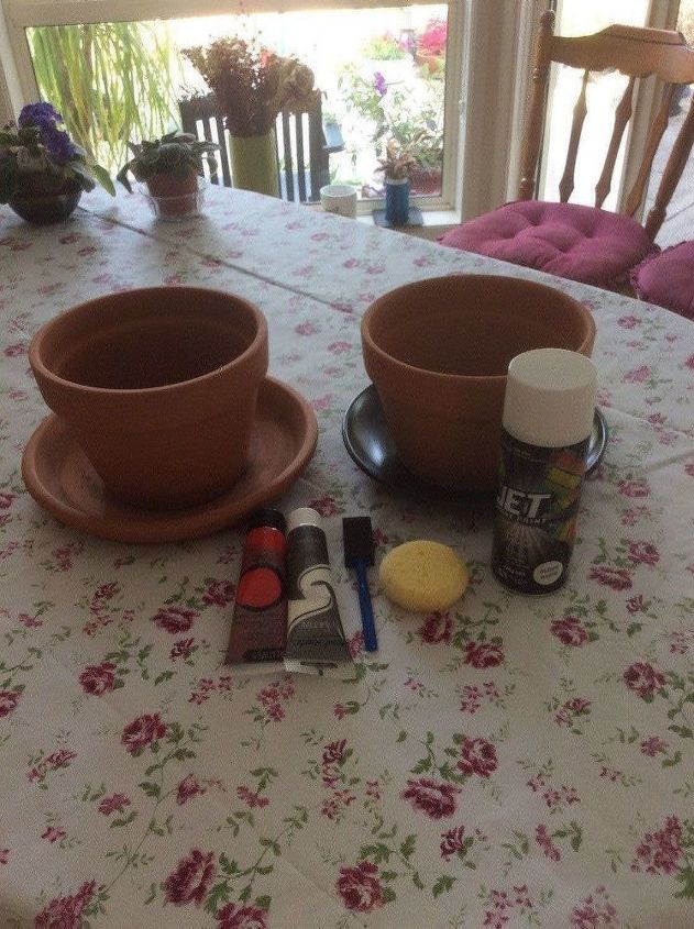 diy garden mushroom made with terracotta pots and drain plates