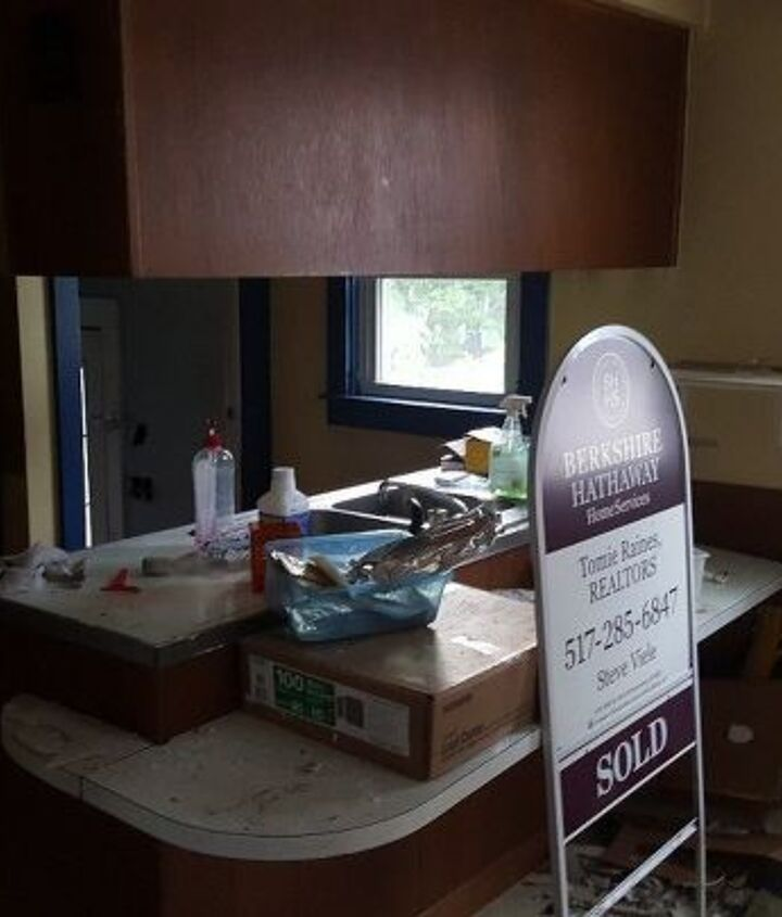 q how to improve awful kitchen layout