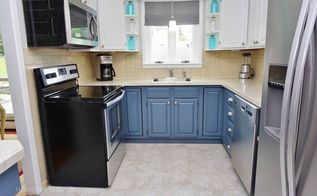get the trendy kitchen cabinet color combo