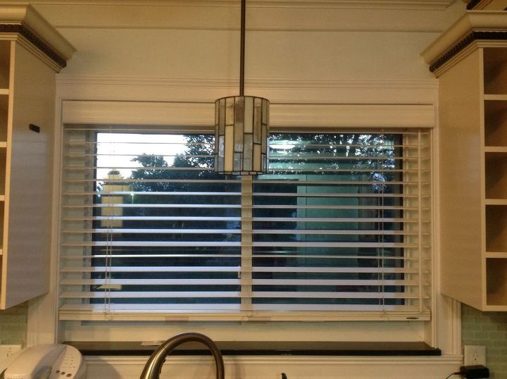 window treatment with placemats