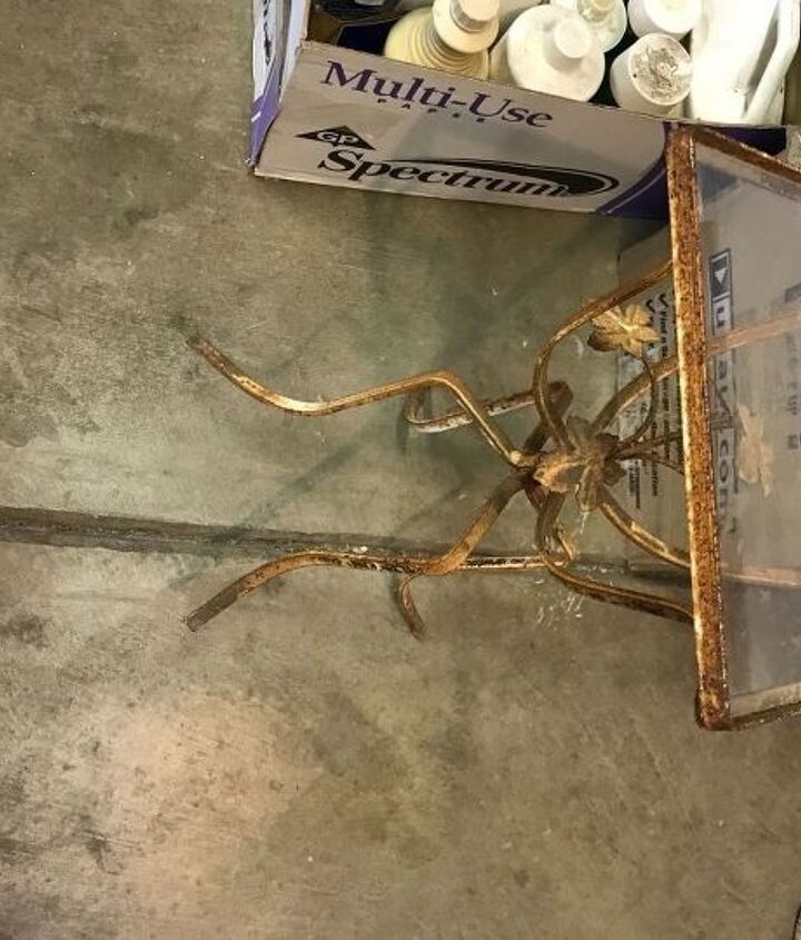 q how to remove rust from metal accent table