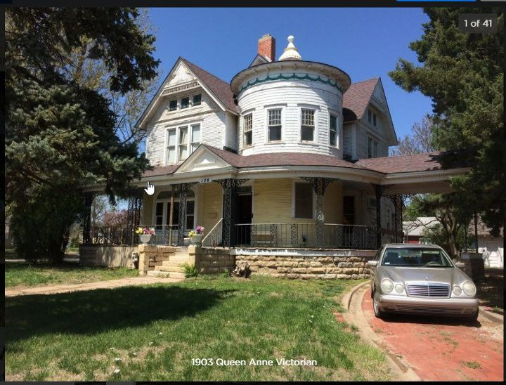 q i need suggestions for painting an 1898 victorian house