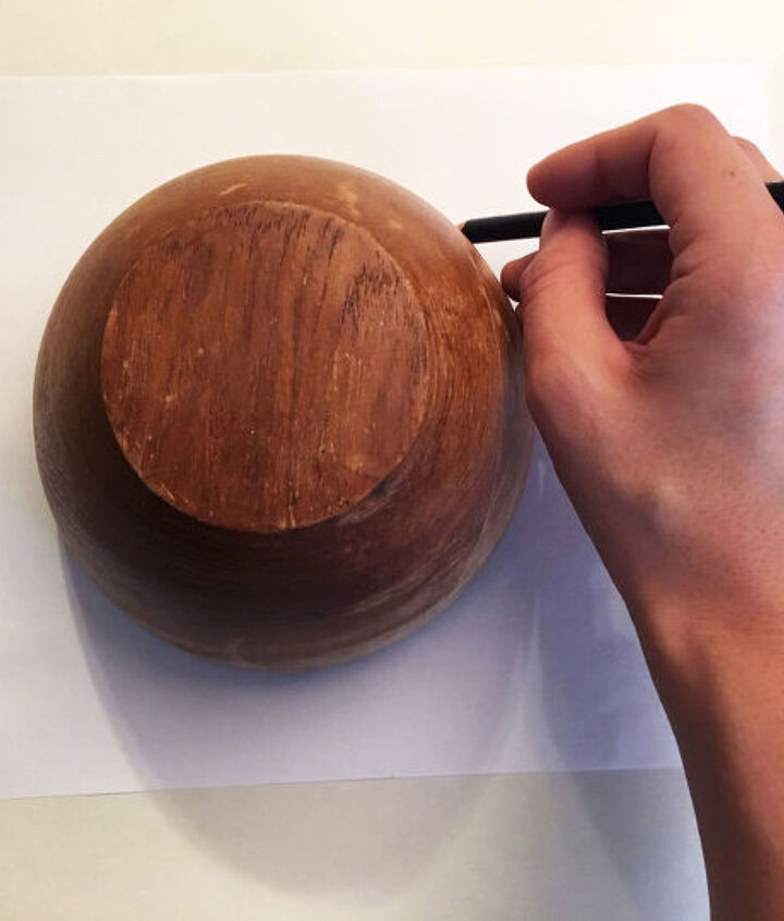s 3 gorgeous and unique ideas to display your plants, Step 1 Trace the lip of a wooden bowl