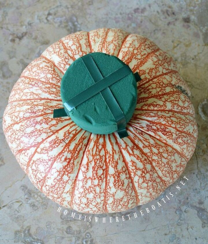 no carve blooming pumpkin thanksgiving table centerpiece