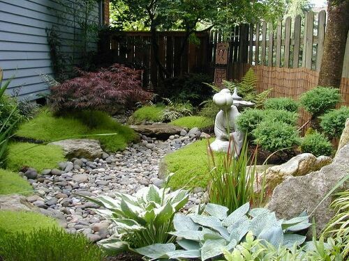 I Need Ideas How To Dress Up My Island Garden Bed With