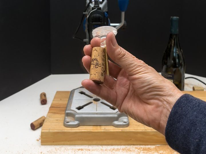 diy wine stoppers from used corks and drawer pulls