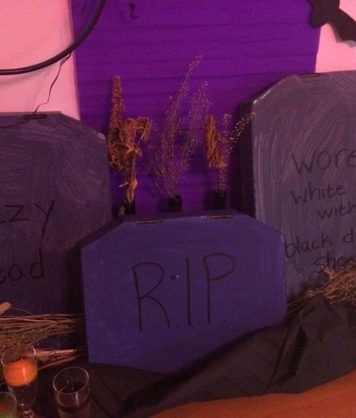 a peak at my halloween decor