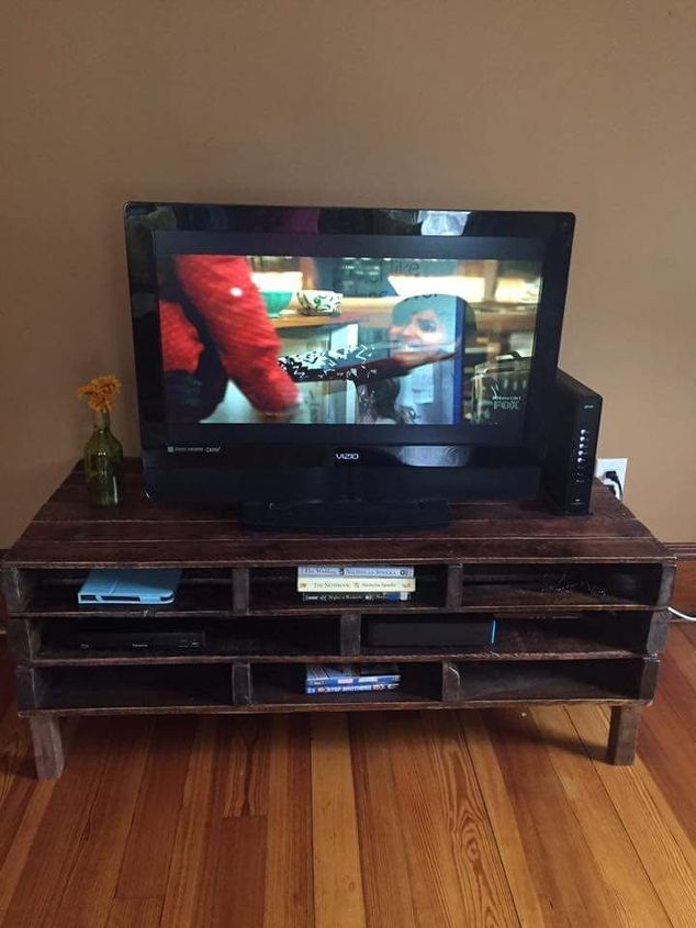 17 Awesome DIY TV Stands | Hometalk