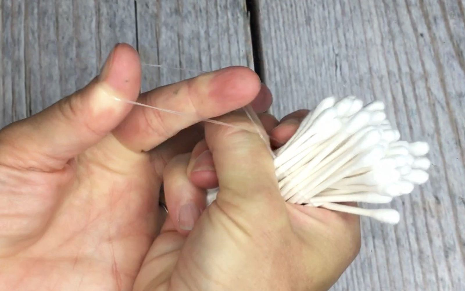 s super cool painting techniques you ve probably never seen, Step 4 Bundle cotton swabs with rubber band
