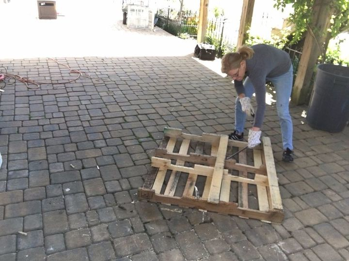 s 3 fantastic step by step ideas what to do with pallets, Step 5 Remove the back panels of that pallet