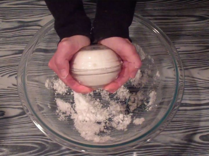 Here39s an easy bath bomb recipe to save for your christmas for How long does bathroom silicone take to dry
