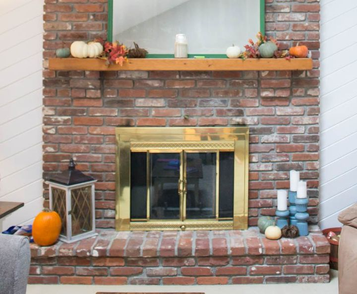 How to update a fireplace door with spray paint hometalk how to update a fireplace door with spray paint eventshaper