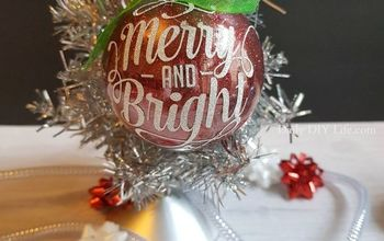DIY Glitter Ornaments For The Holidays
