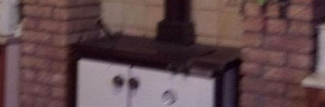 q is there a paint to change the colour of a solid fuel range as shown