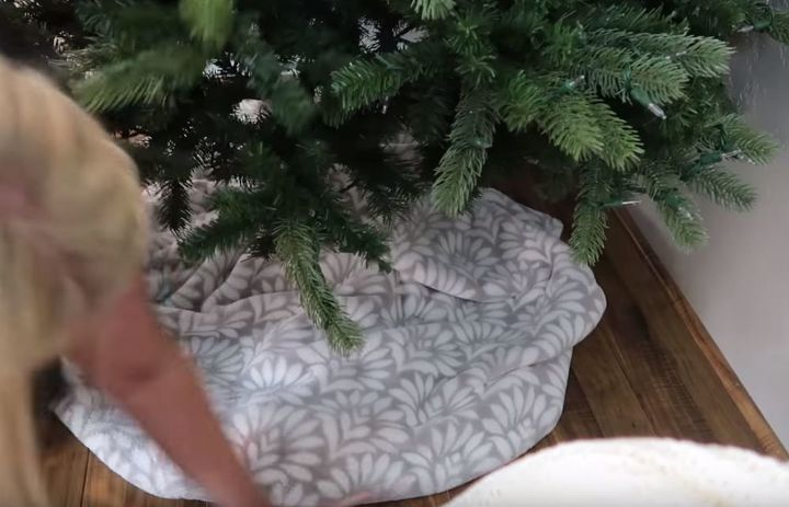 dollar store christmas tree decorating tutorial - Dollar Store Christmas Tree