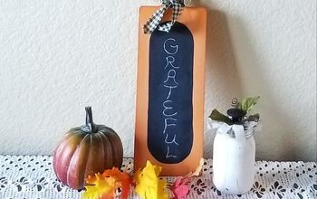 How to Make a Chalkboard Pumpkin From a Cutting Board