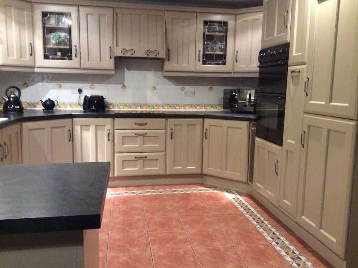q painted kitchen cupboards