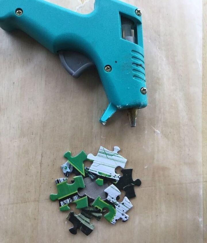 puzzle pieces to snowflake