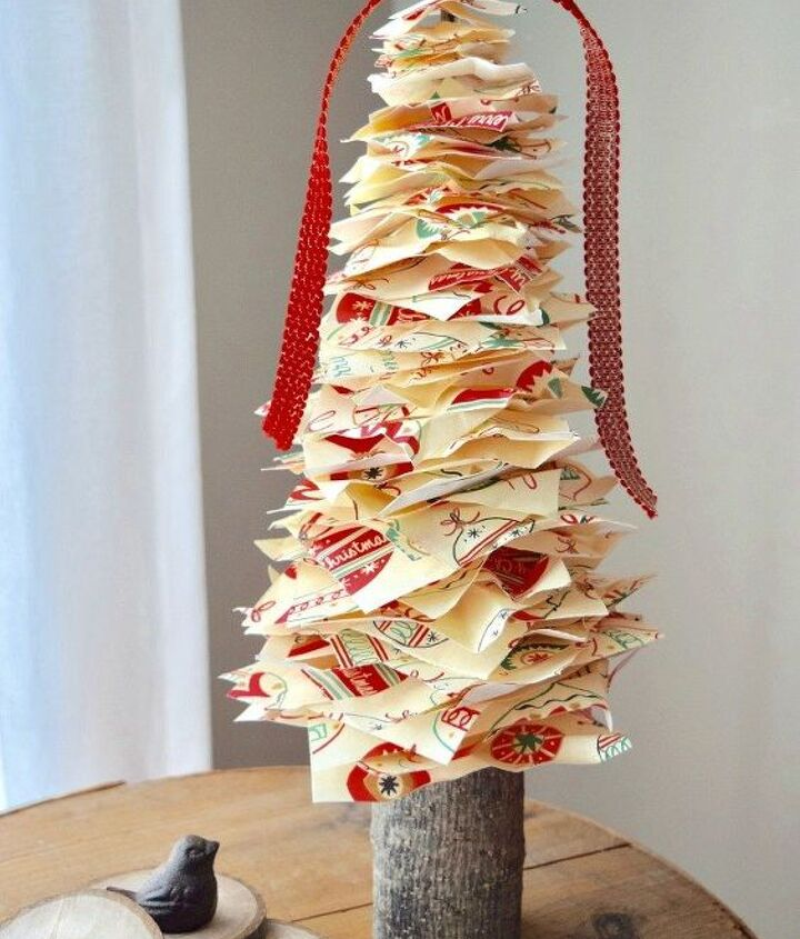 pretty christmas paper makes the most adorable tree