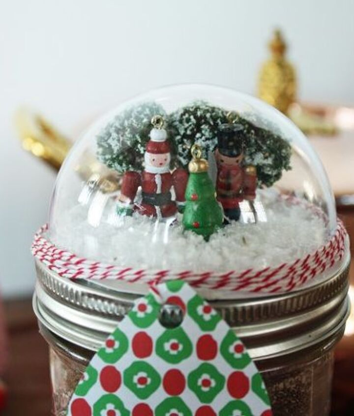 s check out these wonderful gift ideas you can do all by yourself, Gift a magical DIY snow globe