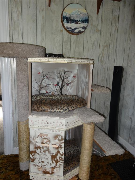 Simple DIY Side Table Cat Tree for Your Kitty